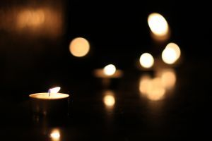 candle-1208573-m